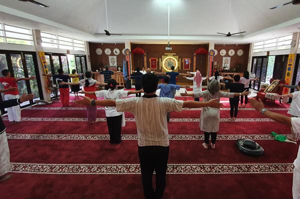 Ananda's Neo Kundalini Yoga